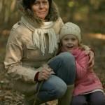 Magda i Marysia wśród liści