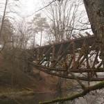 Widok na most ze wschodniego brzegu Gwdy