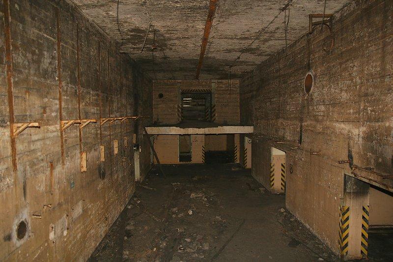 Brzeźnica Kolonia, wnętrze obiektu typu Monolit