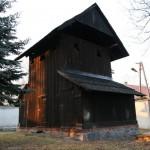 Zabytkowa dzwonnica kościoła