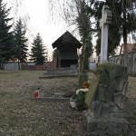 Pozostałości przykościelnego cmentarza