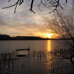 Zachód słońca nadjeziorem Lusowskim
